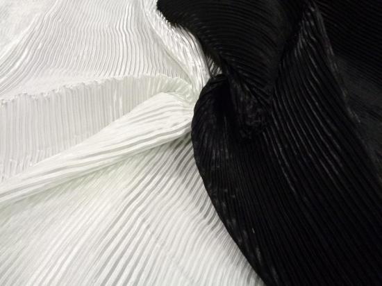 Σατέν πλισσέ 'Pierros black'