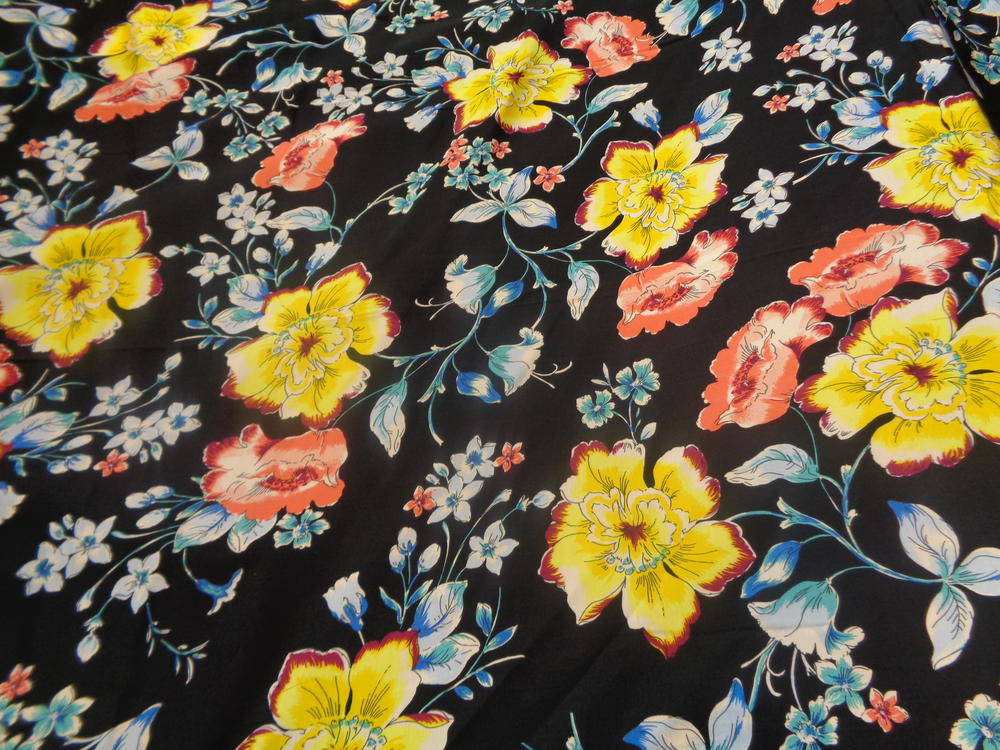 Βισκόζ σατινέ  'Yellow flowers'