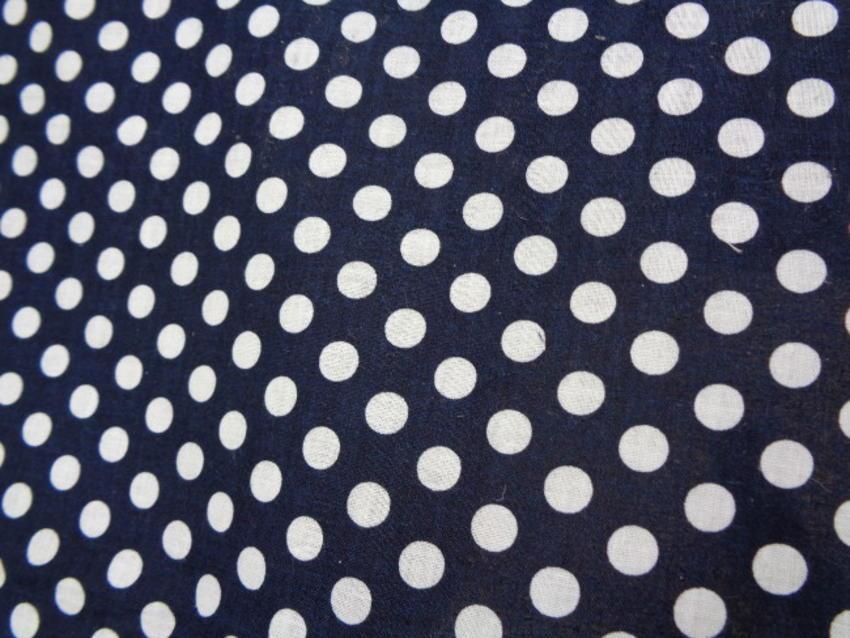 Ποπλίνα 'Φουσκάλες σε μπλέ σκούρο'