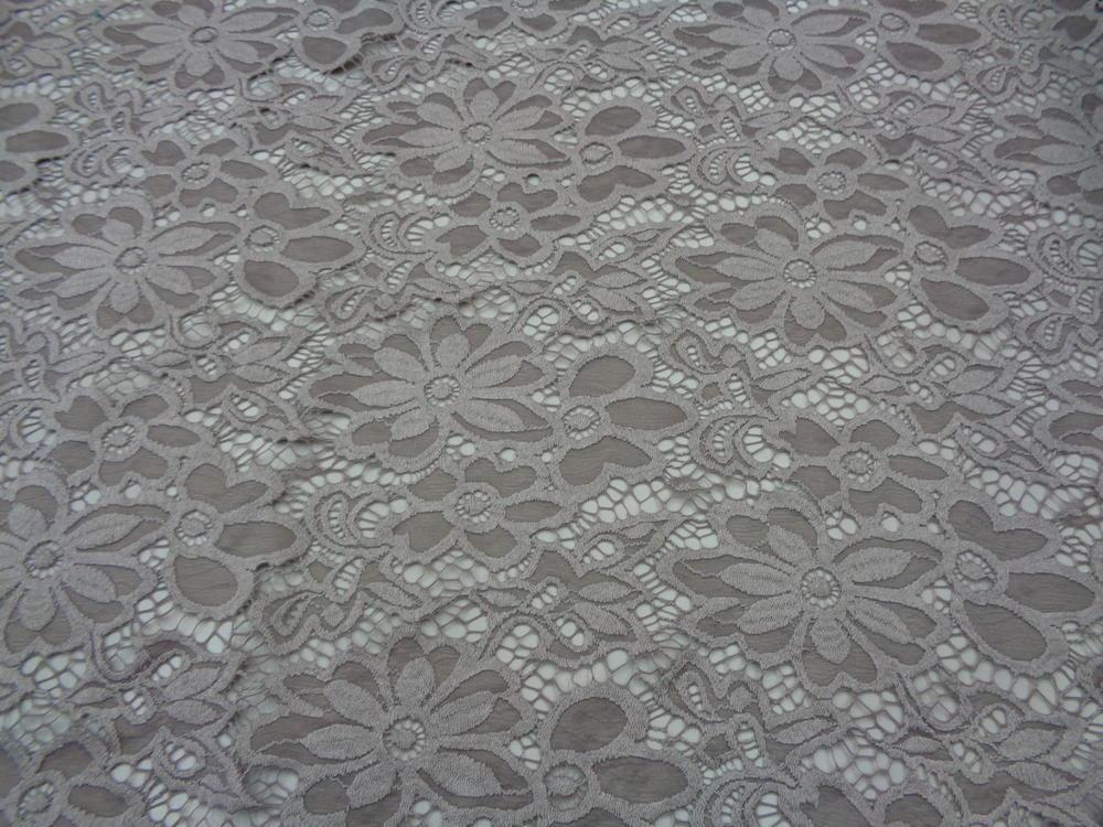 Δαντέλα ελαστική 'Parisian daisies' beige