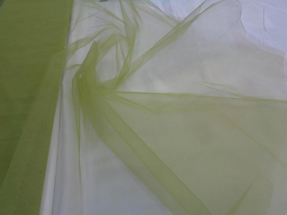 Τούλι σε πράσινο