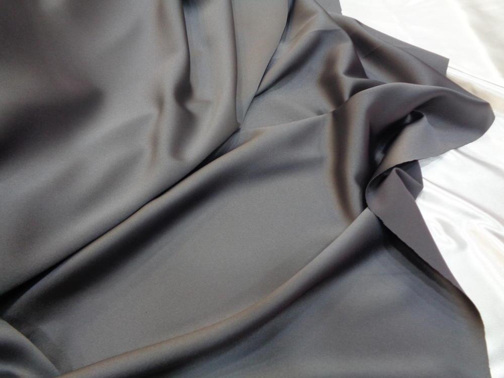 Ρασμίρ-αλπακάς 'Elegance' grey
