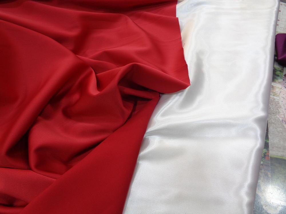 Ρασμίρ-αλπακάς 'Elegance' red