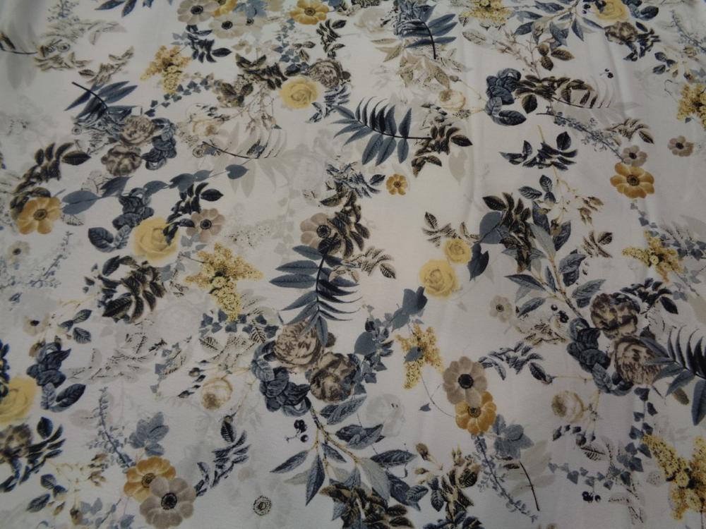 Κρέπ λεπτό 'Salome's flowers' yellow