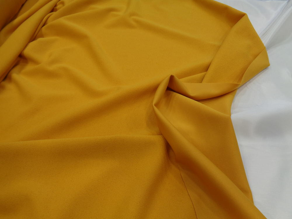Scuba-κρέπ 'Emelia' yellow