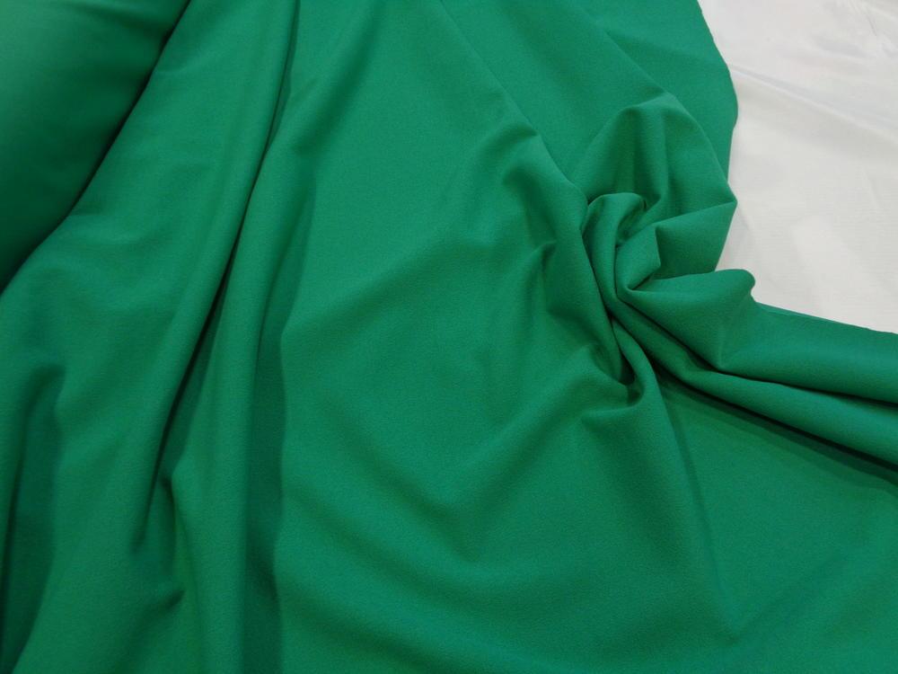 Scuba-κρέπ 'Emelia' emerald