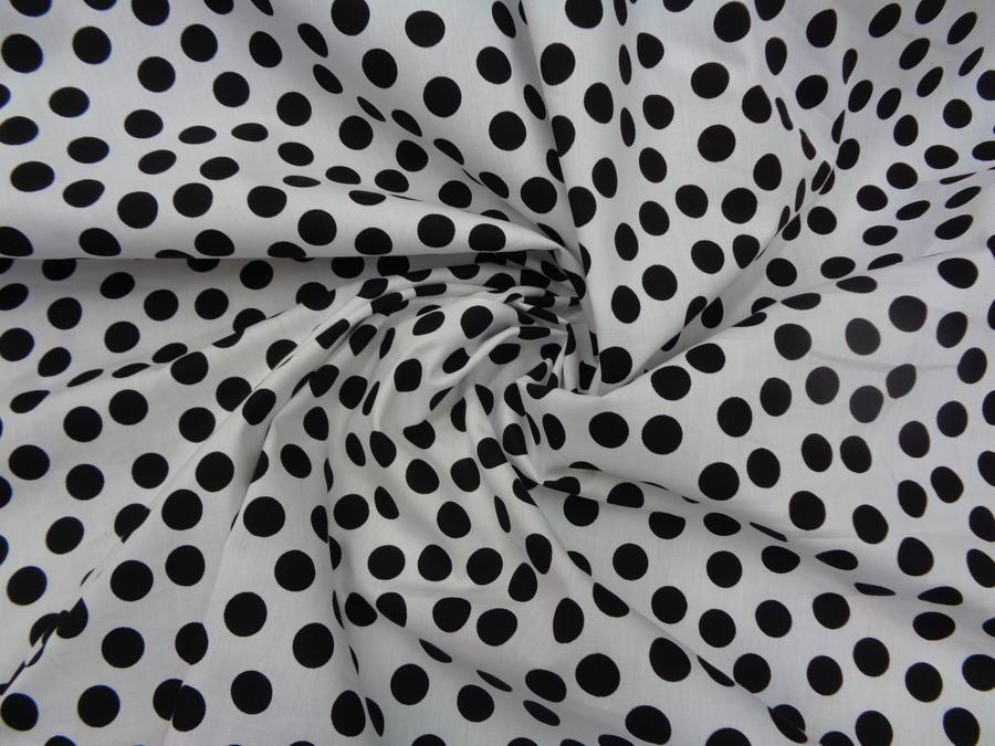 Ποπλίνα 'Bubbles black-in white carpet'